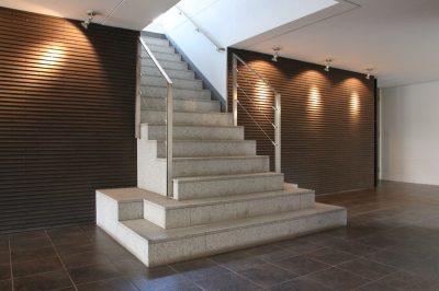 【豪奢な階段の先には……】